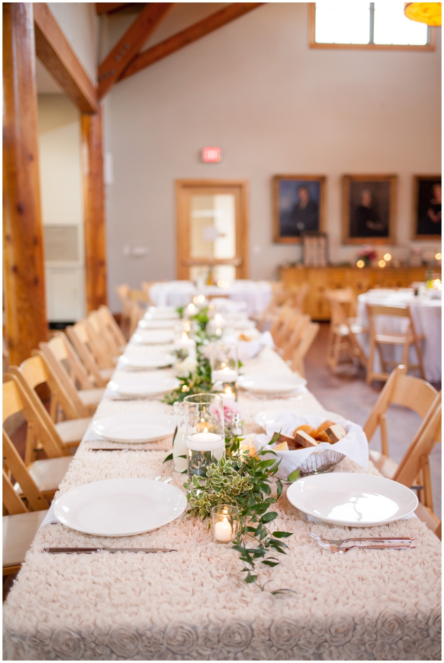 head table and garland centerpiece